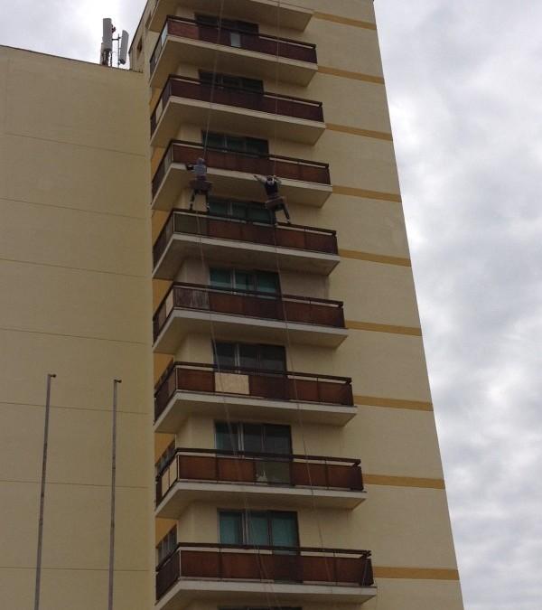 Hotel Petrolul Eforie Nord – lucrari cu alpinisti utilitari in Constanta