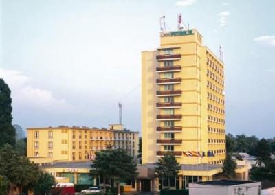 lucrari cu alpinisti utilitari in Constanta la Hotel Petrolul Eforie Nord