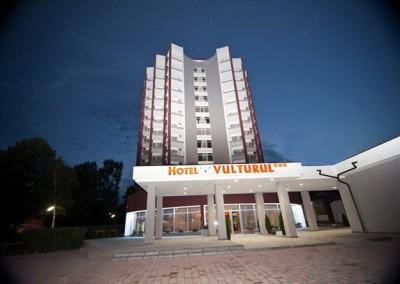 lucrari cu alpinisti utilitari in Constanta la Hotel Vulturul Venus 2