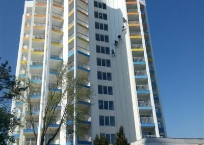 alpinisti utilitari in Constanta - TermosistemConstruct.ro - Hotel Cocorul vopsire exterioara 00001