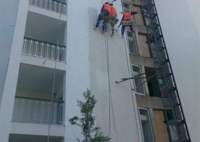 alpinisti utilitari in Constanta - TermosistemConstruct.ro - Hotel Cocorul vopsire exterioara 00002