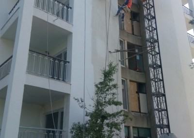 alpinisti utilitari in Constanta - TermosistemConstruct.ro - Hotel Cocorul vopsire exterioara 00003