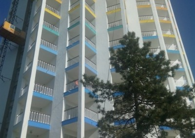alpinisti utilitari in Constanta - TermosistemConstruct.ro - Hotel Cocorul vopsire exterioara 00004
