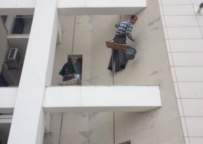 alpinisti utilitari in Constanta - TermosistemConstruct.ro - reparatii tencuiala decorativa 00004