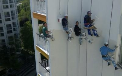 Servicii vopsire exterioara cu alpinisti utilitari in Constanta