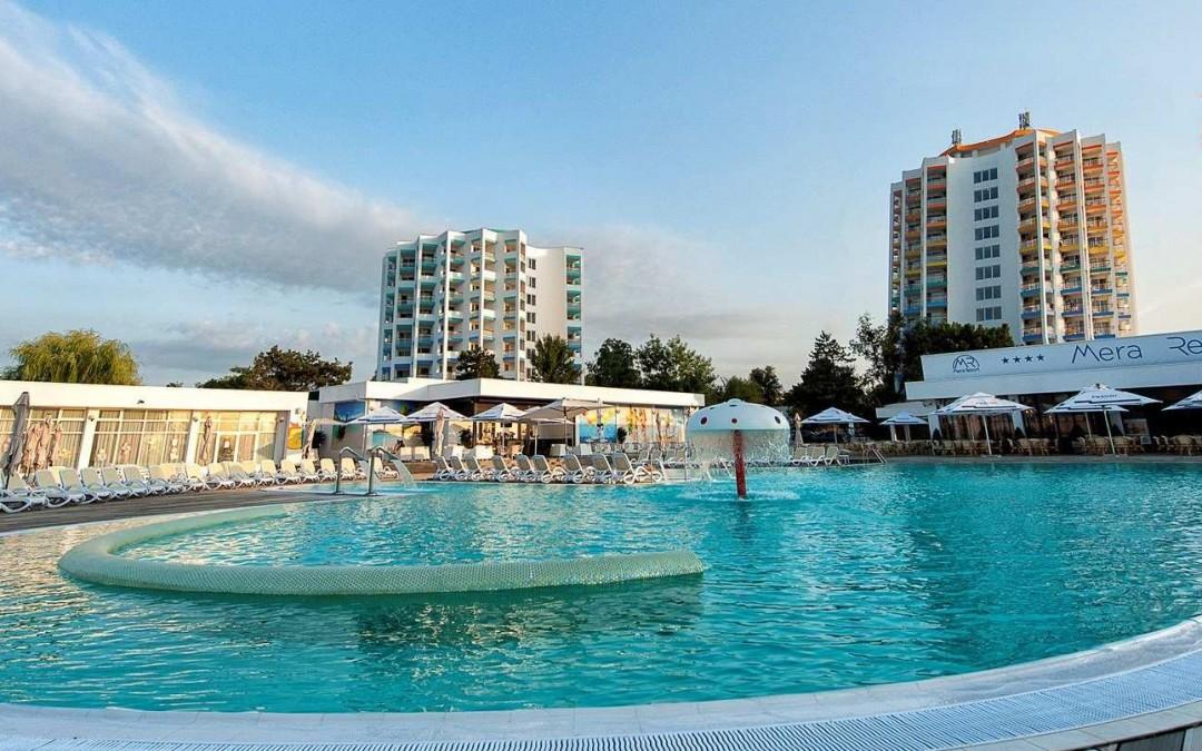 Mera Sky din cadrul Mera Resort – fostul hotel Cocorul, Venus – vopsire exterioara cu alpinisti utilitari in Constanta