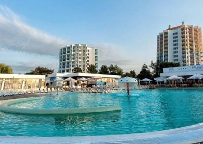 lucrari cu alpinisti utilitari in Constanta la Complex Mera Resort Venus -  Mera Sky and Mera Blue Hotels 1
