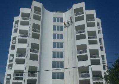 Alpinisti utilitari in Constanta - vopsire exterioara hoteluri Mera Resort Venus - www.termosistemconstruct.ro 003