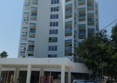 Alpinisti utilitari in Constanta - vopsire exterioara hoteluri Mera Resort Venus - www.termosistemconstruct.ro 006
