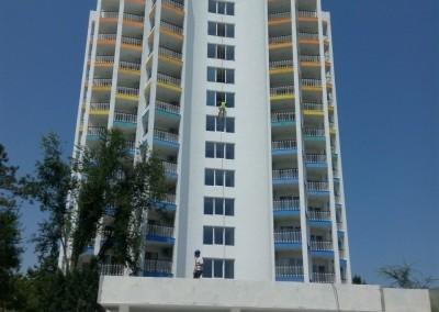 Alpinisti utilitari in Constanta - vopsire exterioara hoteluri Mera Resort Venus - www.termosistemconstruct.ro 007