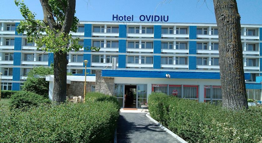Lucrari de reparatii si vopsitorii pentru fatada Hotel Ovidiu din Mamaia