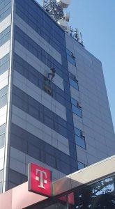 consolidare placi alucobond si spalare geamuri cladirea Telekom 001